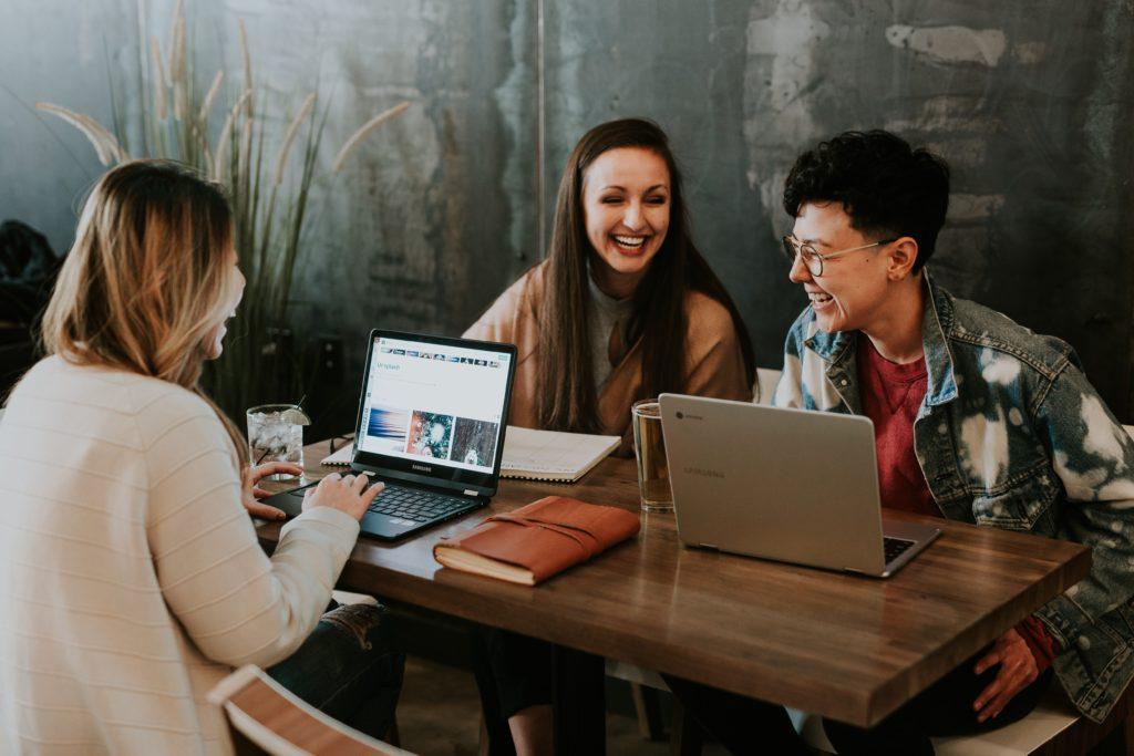 HRD의 역할 : 자극, 연결 그리고 추천
