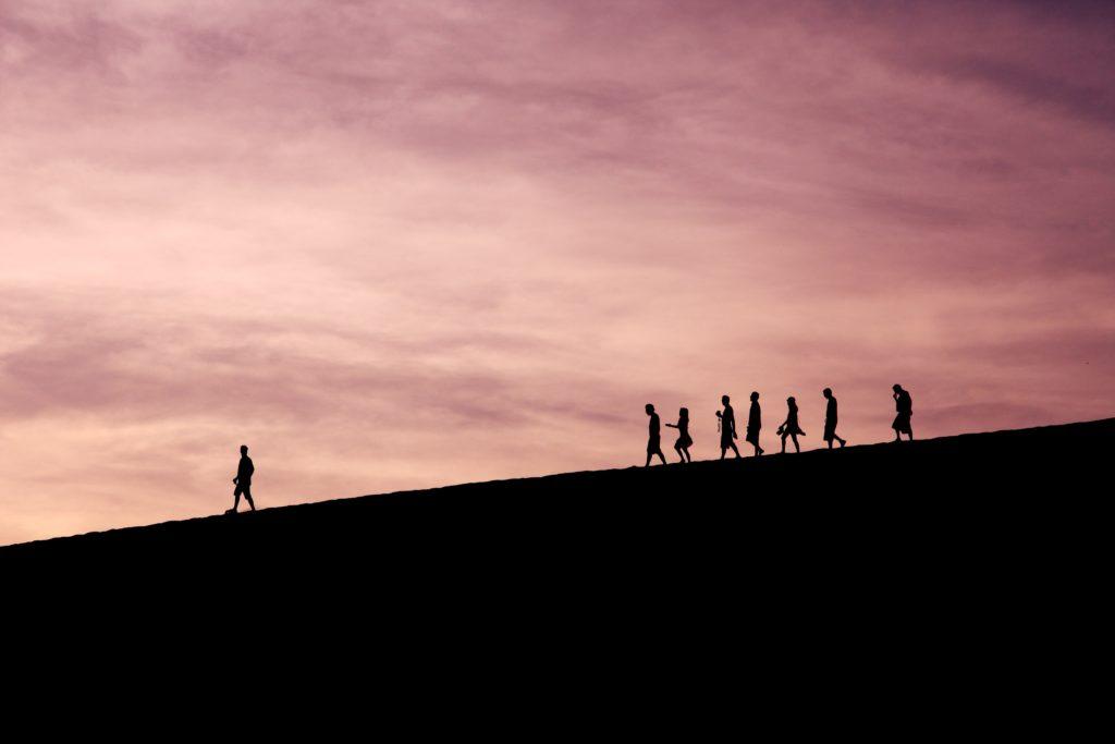 서번트 리더십(servant leadership)을 주목할 때